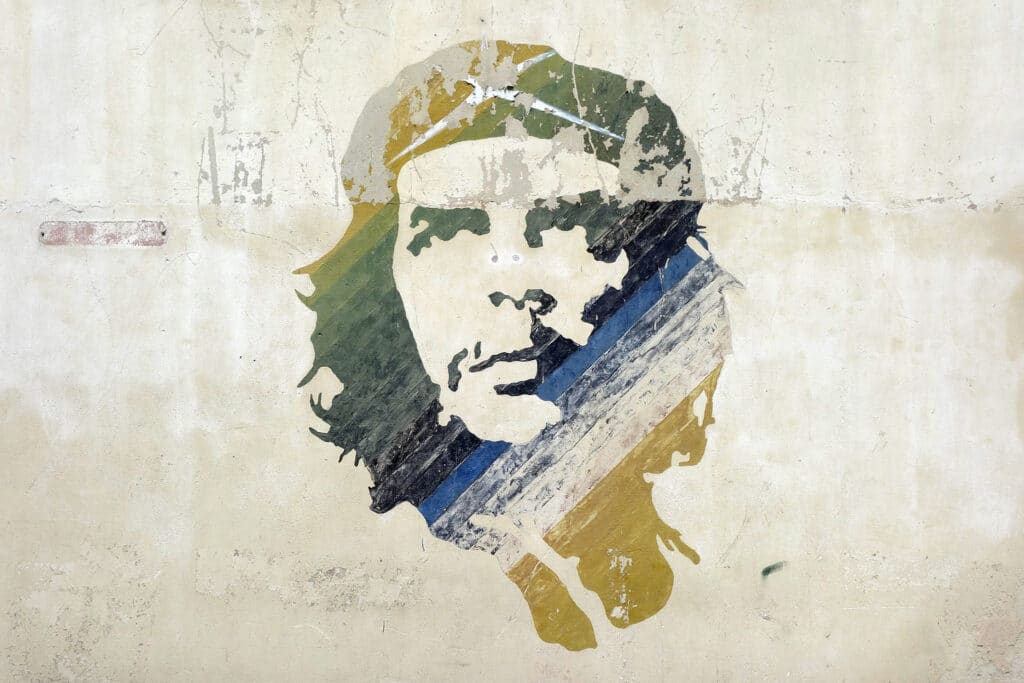 Street art of Che Guevara, representing the importance of Marxism in analyses of intersectional feminism and capitalism